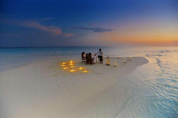 Maldive, una sera a cena...