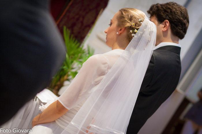 sposa all'altare