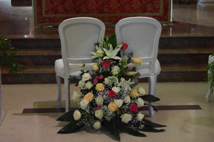 Composizione sedie sposi