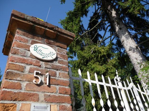 Cancello d'accesso alla villa