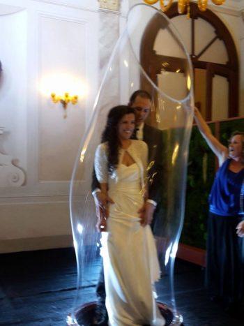 Sposi nella bolla