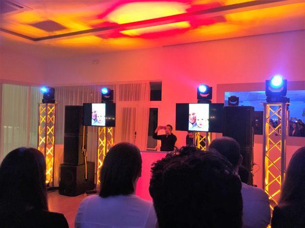 DJ e Vocalist con monitor