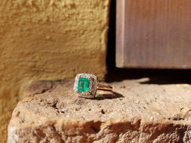 Anello smeraldo e diamanti
