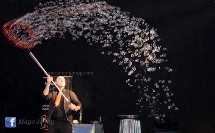 Pioggia di bolle di sapone