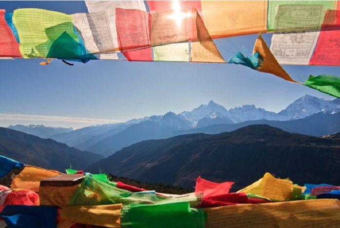 Tibet - Bandiera e montagne