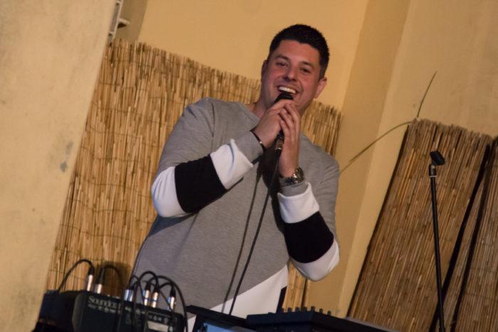 DARIO Live Music