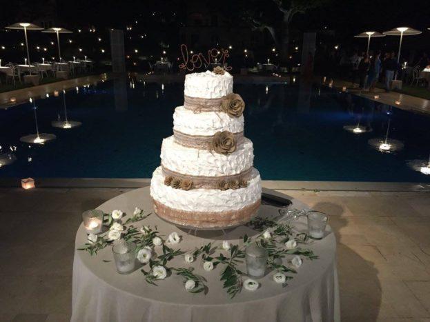 Wedding cake bordo piscina