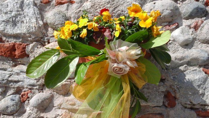 fiori con confetti