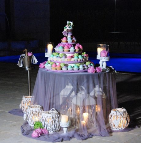 Victorian Wedding cupcake