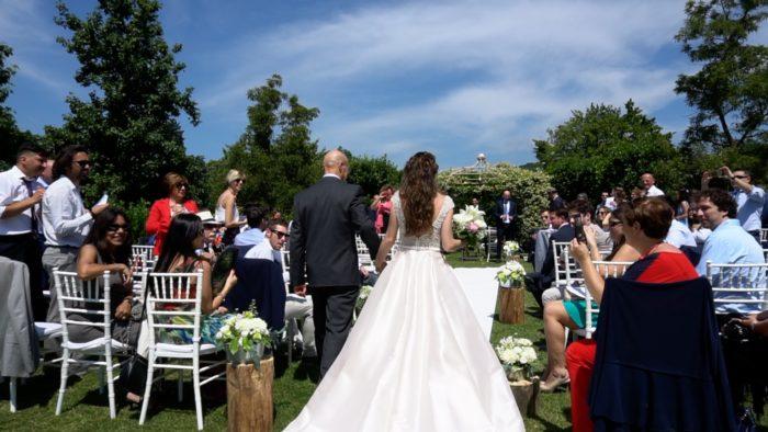 arrivo sposa altare