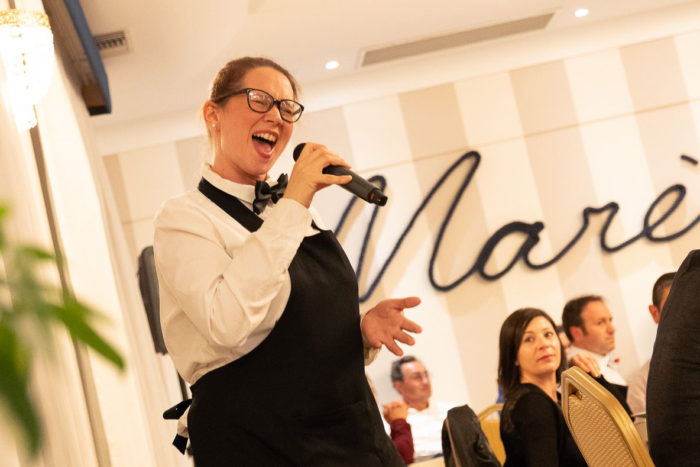 Chiara canta