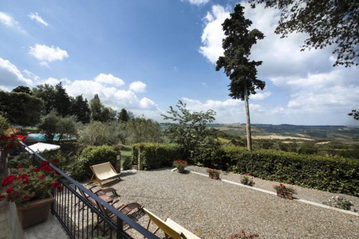 giardino e vista sul retro