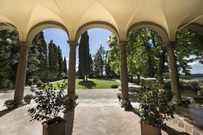 loggiato e giardino principale