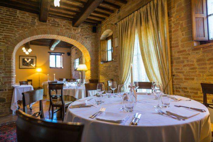 Tavolo interno ristorante