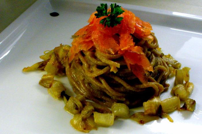 Spaghettoni alla liquirizia
