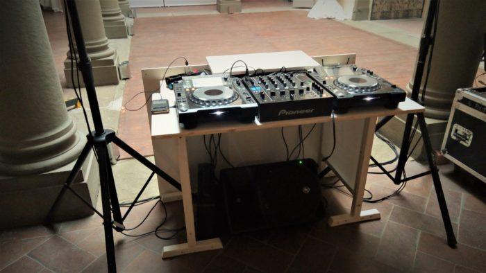 Service Audio