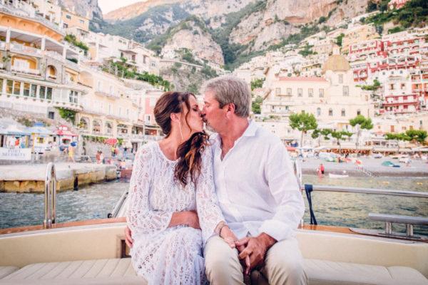 Sposi in barca a Positano