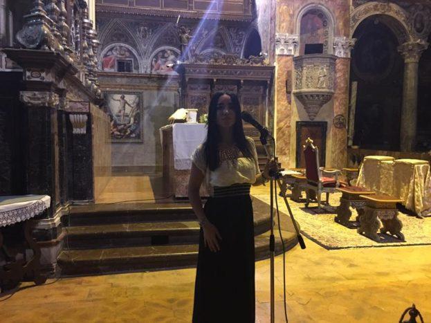 Muriel cantante chiesa