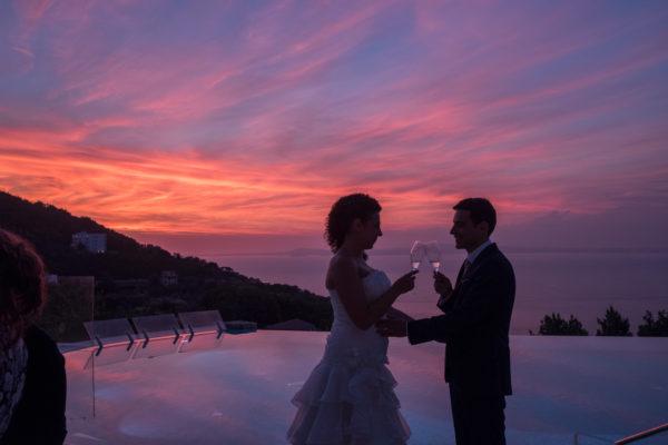 Brindisi sposi tramonto