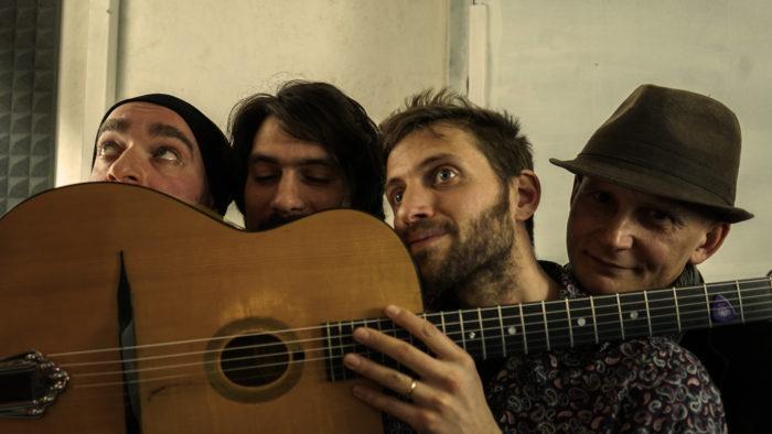 faccia chitarra
