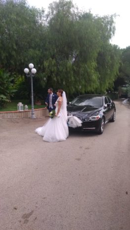 Sposi in Masseria in carrozza