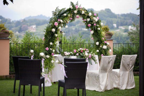 arco con rose
