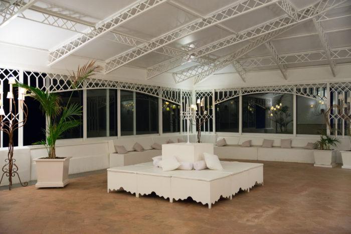 Sala bianca sui Faraglioni