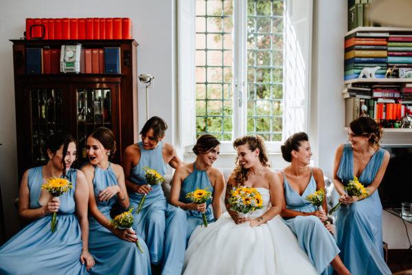 La sposa e le damigelle