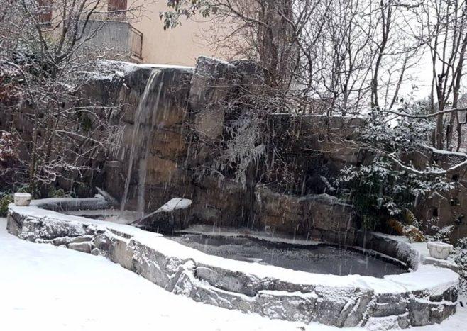 cascata invernale