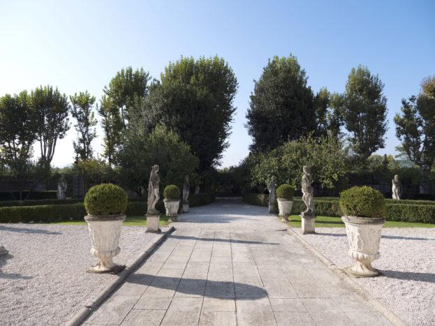 Viale d'ingresso della Villa