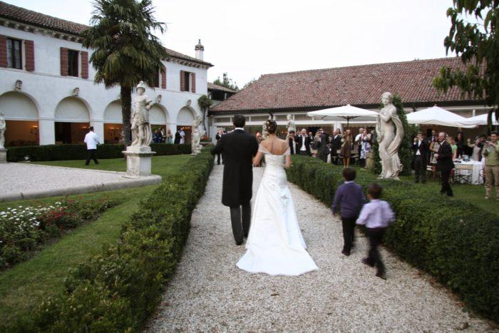 Festa matrimonio nel giardino