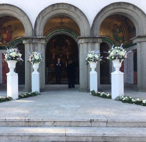 Entrata chiesa allestita