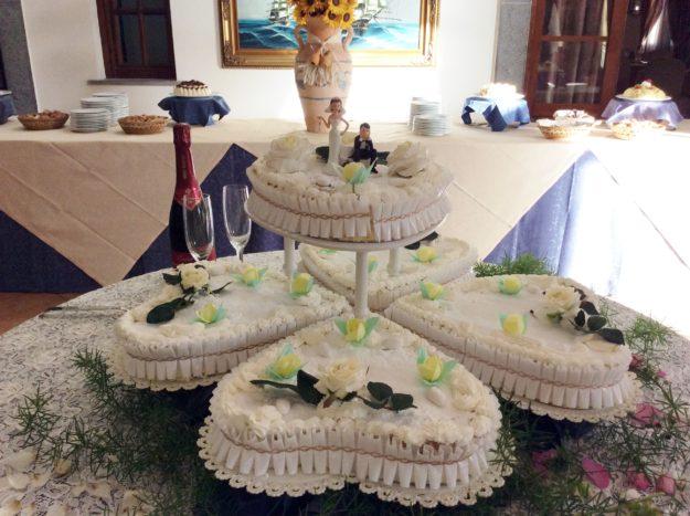 Torta Nuziale 5 cuori