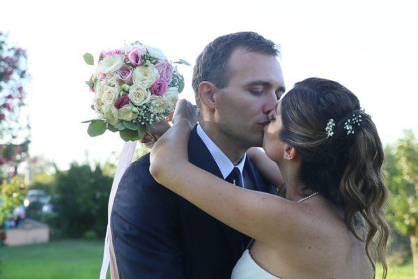 Il bacio in giardino