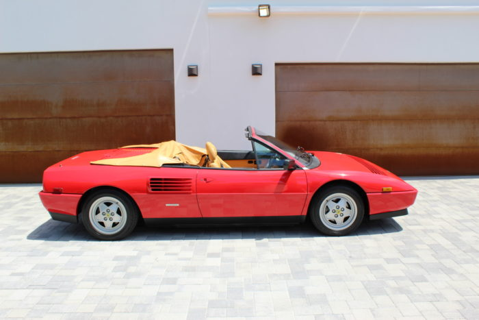 Profilo Ferrari Mondial cabrio