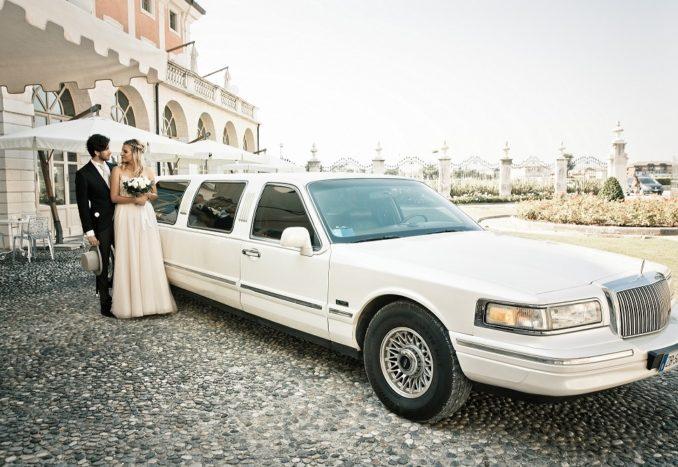 Limousine in villa