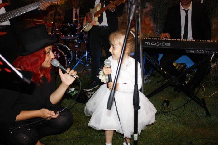 lei vuole cantare con me