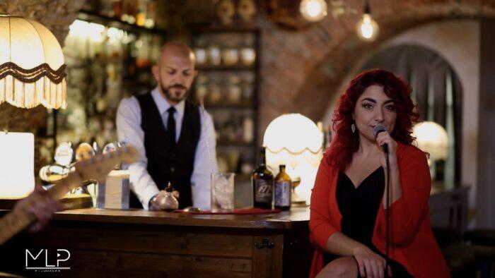 Durante il video con la B.Band